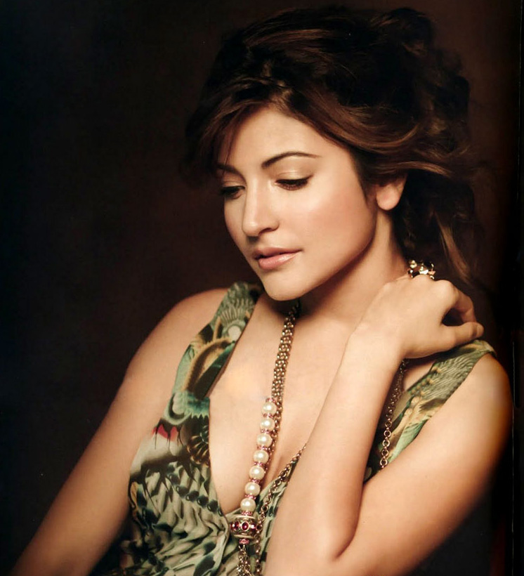 Anushka Sharma Hot Images Video Amp Pictures Gallery