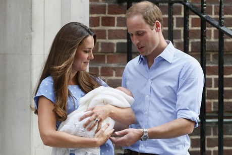 William, Kate show off royal baby